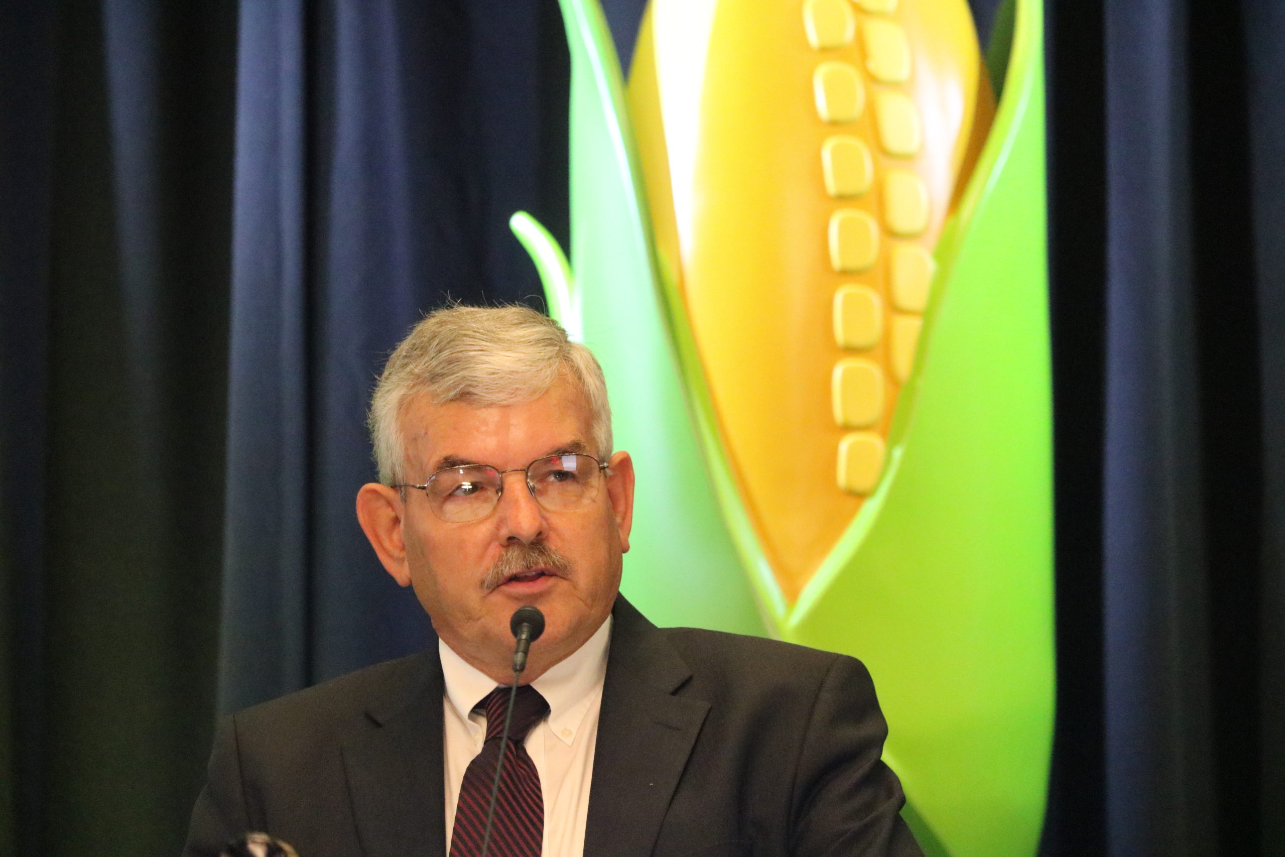 Lynn Chrisp, farmer from Hastings, addresses delegates and attendees at NCGA's Corn Congress in 2018.
